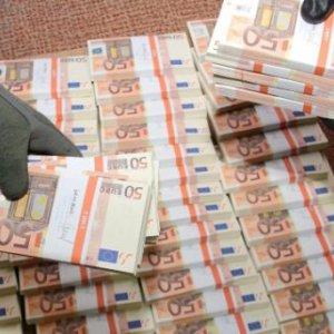 Italy Police Seize Millions of Fake Euros