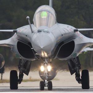 France, India to Close Fighter Jet Deal