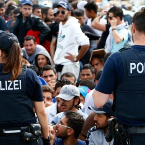 Germany Calls for Limits on EU Influx