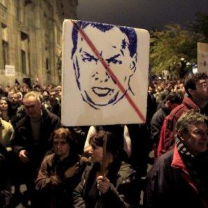 Hungarians Protest Corruption