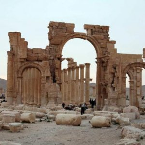 IS Plants Mines, Bombs in Palmyra