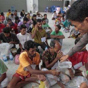 500 Rohingya Migrants Land in Indonesia