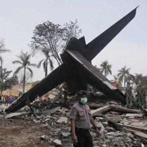 Indonesia Plane Crash Toll Rises