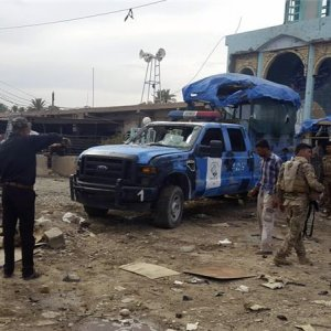 Suicide Attacks Hit Iraqi Shiite Mosques