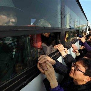 Two Koreas Discuss Holding Family Reunions