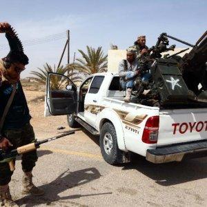IS Beheads 12 in Libya