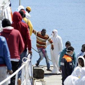 40 Migrants Dead Off Libya