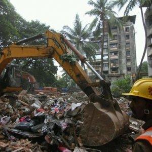 11 Killed in Mumbai building Collapse
