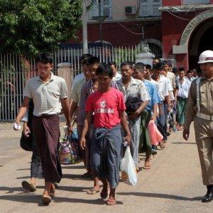 Myanmar Frees 7,000 Prisoners