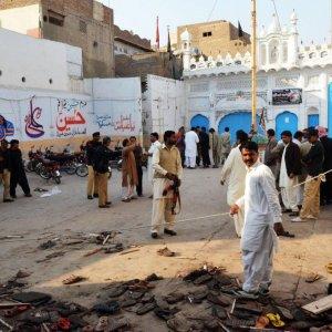 50 Killed in Pakistan Mosque Blast