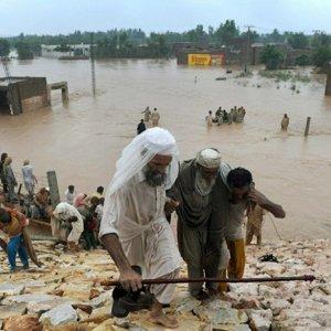 50,000 Evacuated in Pakistan Floods