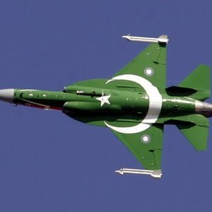 Pakistan Warplanes Kill 20 Militants