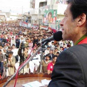 Pak Clashes Turn Ugly
