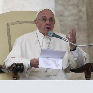 Pope Has No Brain Tumor