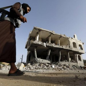 Saudi-Led Planes Continue Bombing Houthis