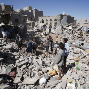 UN Slams Saudi-Led Attacks as Houthis Accept Ceasefire