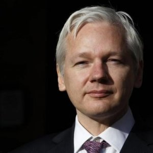Sweden  to Question Assange