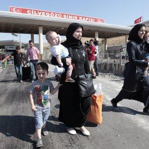 Turkey Hosts 1.37m Syrian Refugees
