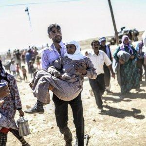70,000 Flee IS into Turkey