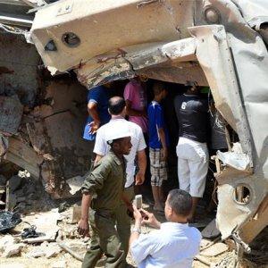 17 Dead in Tunisia Train Crash