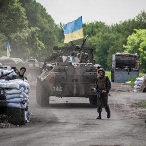 Shelling, Gunfire Strain  Fragile Ceasefire  in E Ukraine