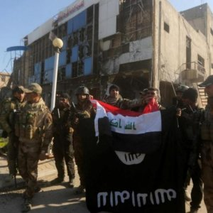 Iraq Vows Defeat of IS  After Ramadi Recapture
