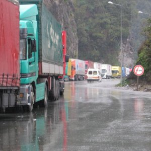 Truck Traffic Normal at Iran-Turkey Border