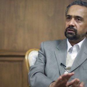 Gov't Will Reduce Role in Economy