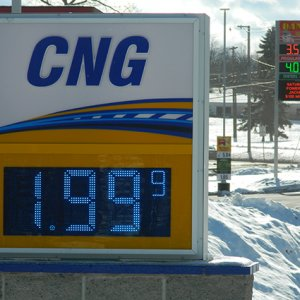 Private Sector to Build CNG Stations in Iraq