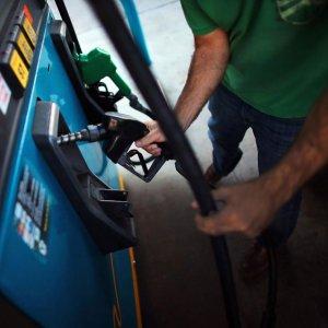 Gasoline Prices Flat Until March 2016