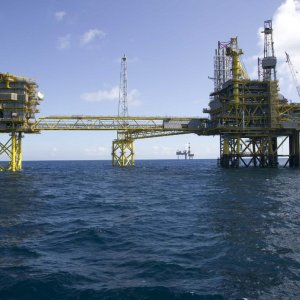 Indonesia Awards Oil Blocks to Shell, Statoil