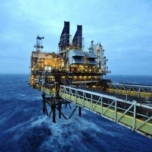 Oil Surges as Iran  Nuclear Talks Advance