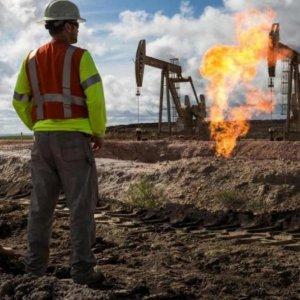 Talks Ongoing to Restart Closed Libyan Oilfields