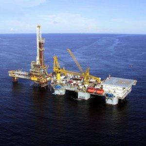 Raising Oil Output Nat'l Necessity