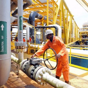 Talks With Algeria to Stem Oil Price Slide