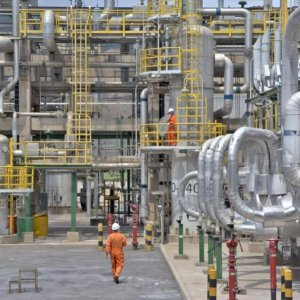 Persian Gulf Star Refinery to Go on Stream in January