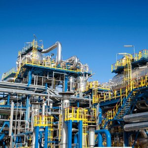 Spain's SERCOBE Discusses Petrochem Financing