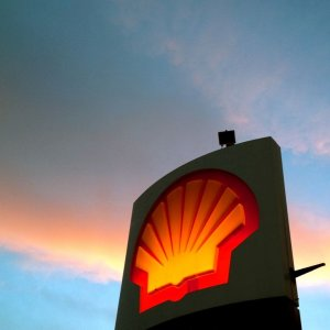 Shell to Slash 10,000 Jobs