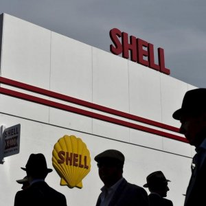 Shell to Cut 2,800 Jobs