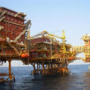 Positive Feedback  From Int'l Oil Firms