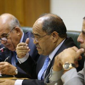 Algerians Discuss Banking Ties