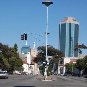 Iran Considers Giving Loans to Zimbabwean Banks