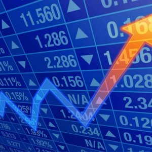 TSE Notches 4-Month High as Banks Rally