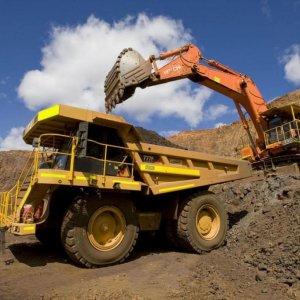Amid Slump in Oil Prices, Iran Focuses on Mining