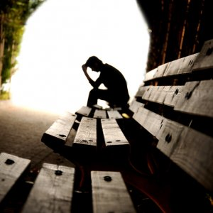 'Economic Crisis' Ups Suicide in Middle-Age Adults