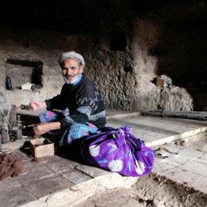 Last Weavers in Caverns