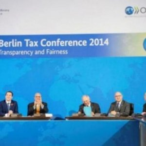 51 States Sign Deal to End Tax Evasion