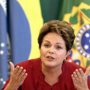 Brazil Economy Wavers, Rousseff Challenged