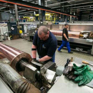 German Industry Output Rises for Fifth Month