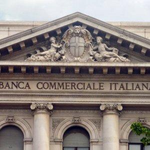 Italy Yields Fall